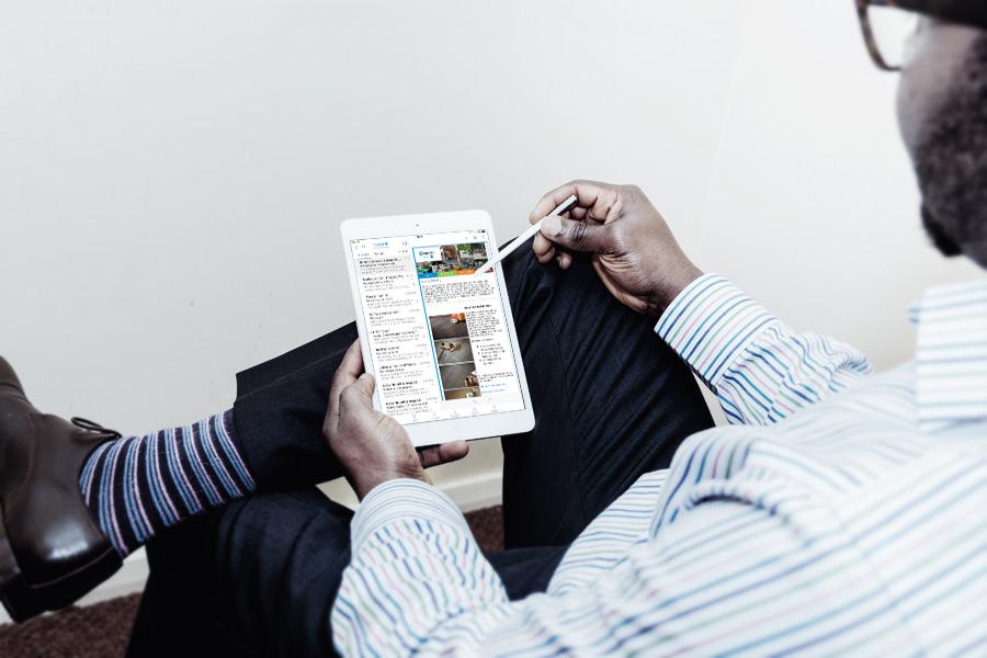 Ipad met nieuwsbrief